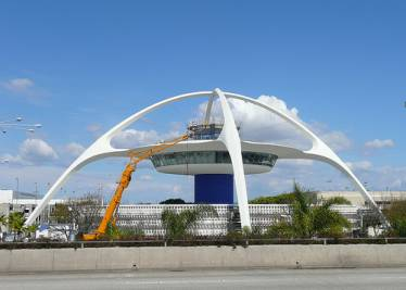 LAX Theme Building